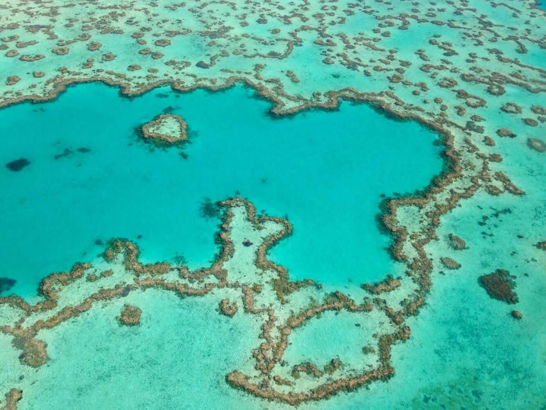 Hoch über dem Great Barrier Reef vor Australien. Ich liebe Ausblick und Überblick