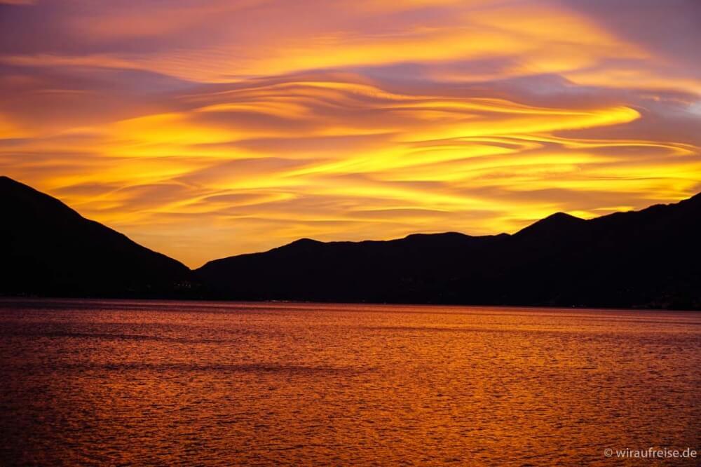 Sonnenuntergang in Ascona am Lago Maggiore (Schweiz). Atemberaubend, nicht wahr?