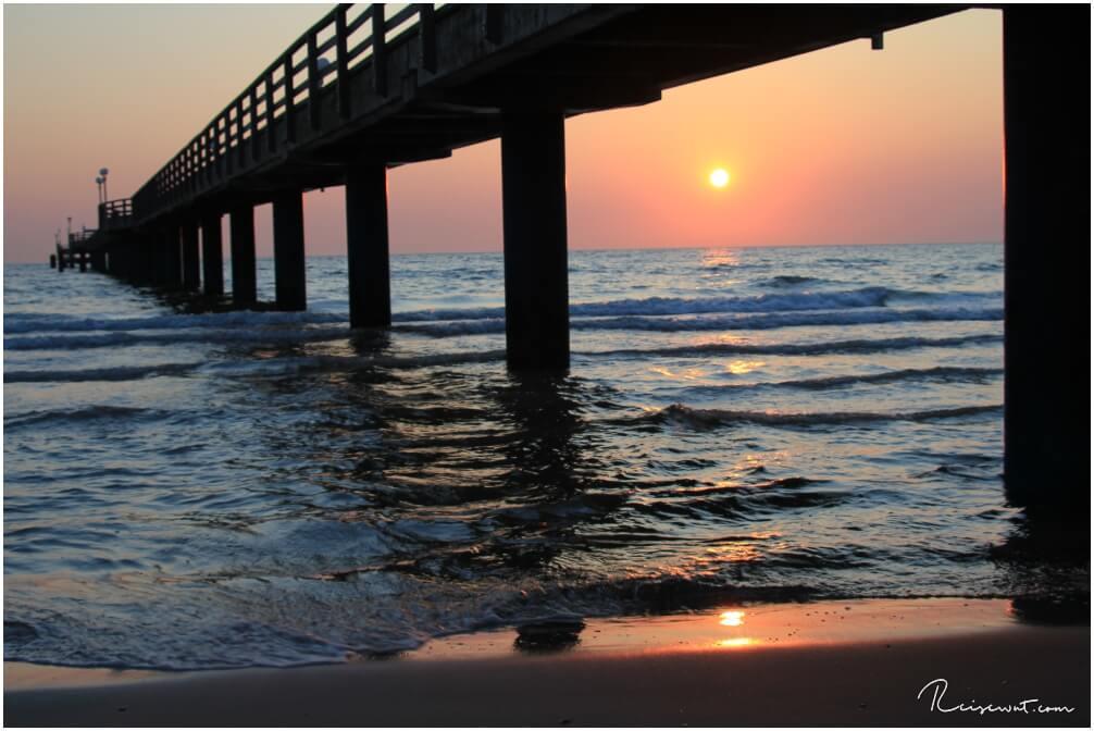 Der Steg erinnert ein wenig in seiner Form an den alten Holzsteg in Fort Myers Beach an der Golfküste Floridas