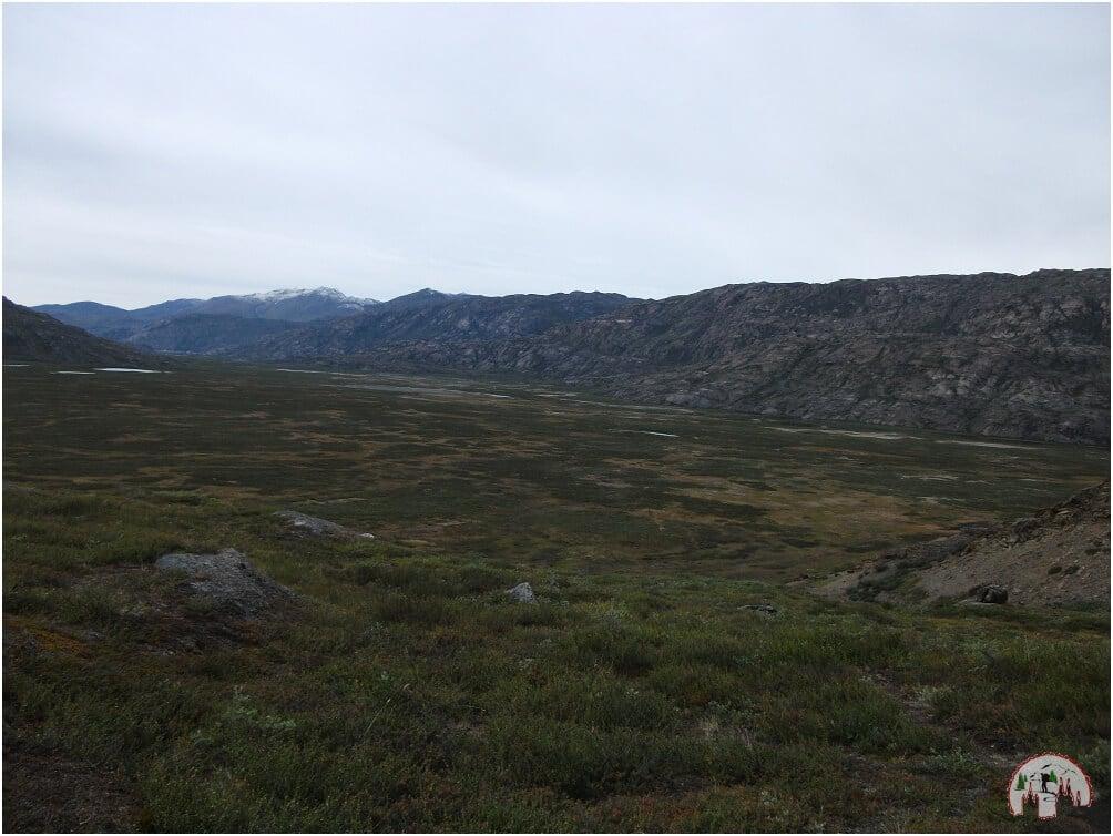 Weite Landschaft am Arctic Circle Trail