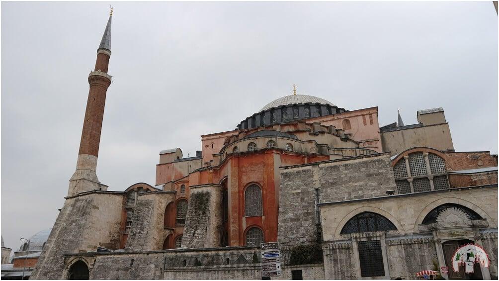 Erster Eindruck der Hagia Sophia von außen