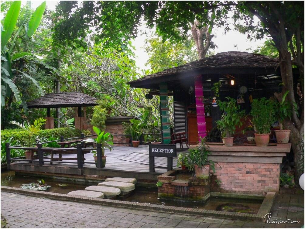 Die urige Rezeption der Lampang River Lodge