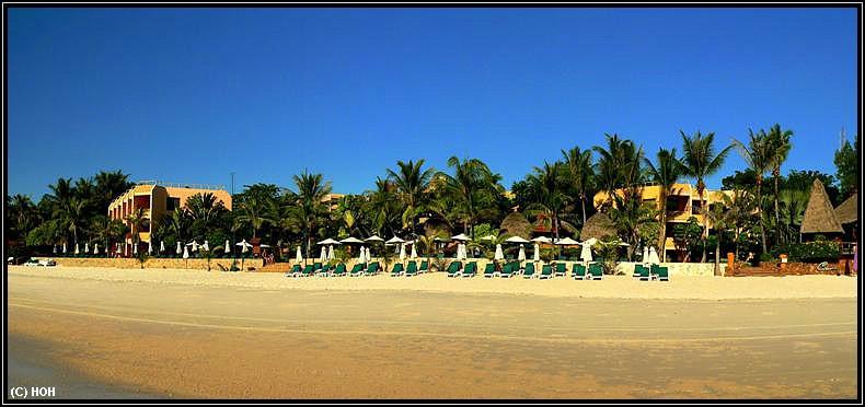 Hotel vom Strand aus gesehen ...