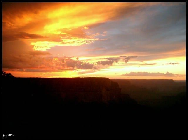 Der Himmel brennt am Grand Canyon