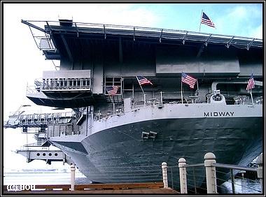 USS MIDWAY CV-4 im Hafen von San Diego