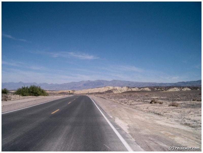 Strasse durchs Death Valley