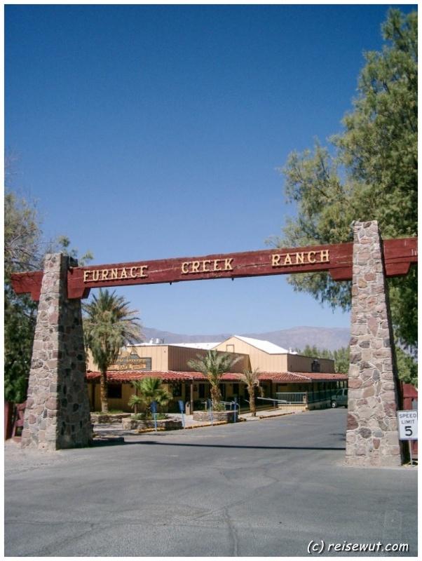 Eingang zur Furnace Creek Ranch