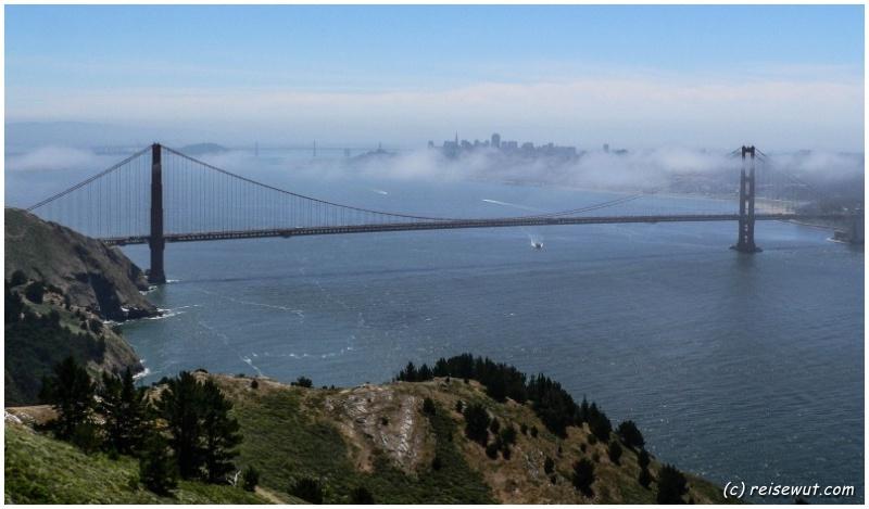 Golden Gate Bridge von einem weiter entfernten Aussichtspunkt