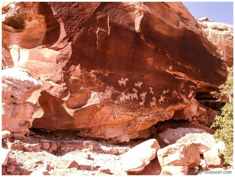 Felsmalereien unterwegs auf dem Delicate Arch Trail