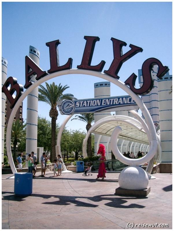 Der Eingangsbereich vom Ballys