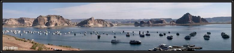 Lake Powell Panorama mit jeder Menge Hausbooten