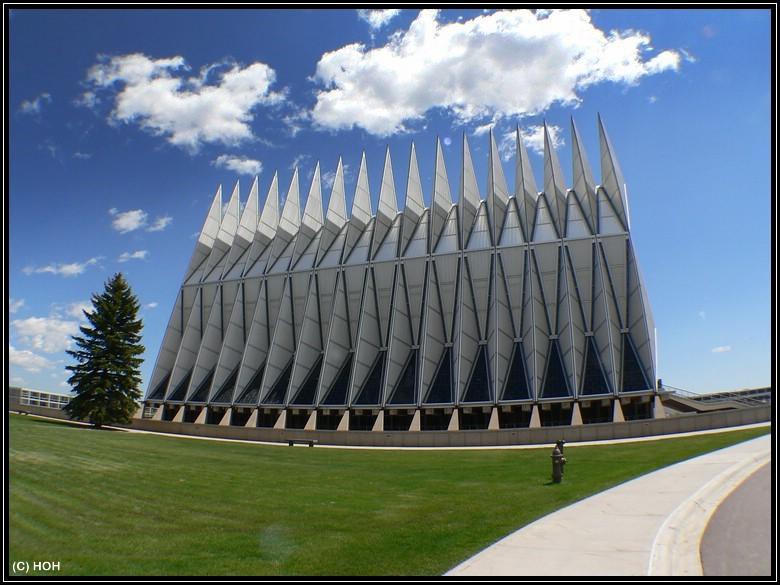 Die Cadet Chapel ist wirklich ein sehr außergewöhnliches Gebäude - innen wie außen