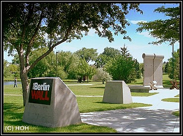Bruchstuecke der Berliner Mauer in Rapid City